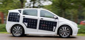 Elektrische auto met zonnecellen